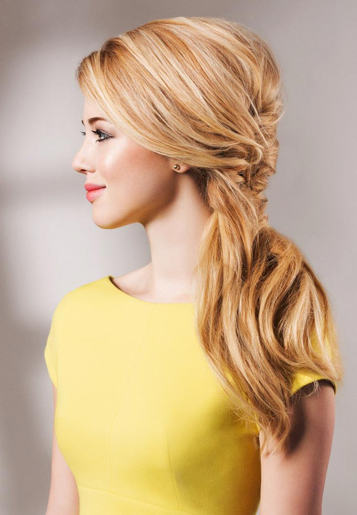 Стильная прическа для длинных волос